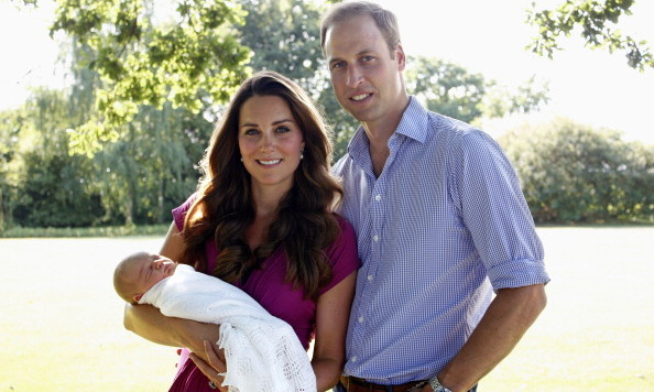 Breaking the royal mold, Kate opted for their first family photo to be taken by her father.
