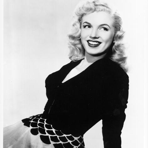 Marilyn Monroe 39 S Signature Style 20 Of Her Most Iconic Looks Hello Us