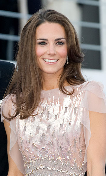 For one of her first glamorous outings following the Royal Wedding, the Duchess dazzled at the 10th Annual ARK (Absolute Return for Kids) gala dinner wearing Links of London Effervescence Bubble Stiletto earrings. Made of lavender iolite stones that sparkle in clusters, the sterling-silver danglers perfectly complemented her glittering Jenny Packham gown.