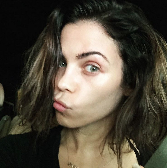 Down-to-earth Jenna Dewan Tatum shared this no make up selfie with her 4 million followers.