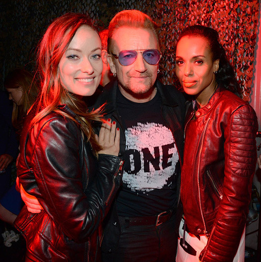 Kerry Washington, Olivia WIlde and Bono looked like rockstars while hanging out backstage. 