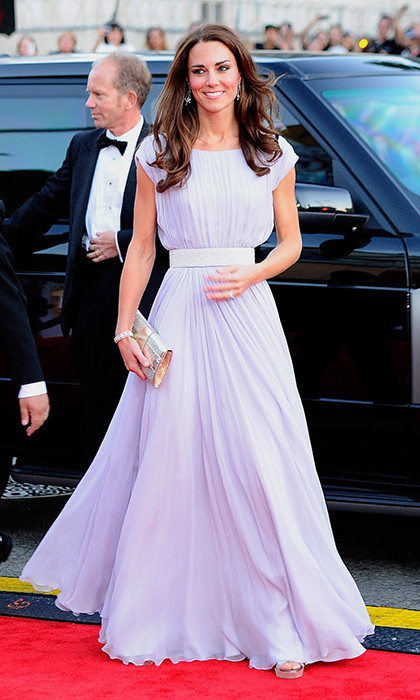 Kate opted for a pretty pastel Alexander McQueen dress for the BAFTA Brits to Watch event in Los Angeles. With a cinched waistband, soft pleats and complementing silver clutch, it was the epitome of Hollywood glamour.<br>