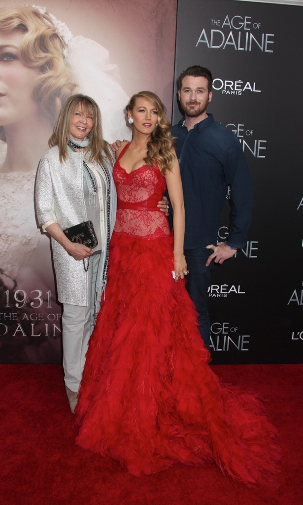 It runs in the family. Blake and her brother Eric Lively stun on the carpet alongside their mother Elaine. 