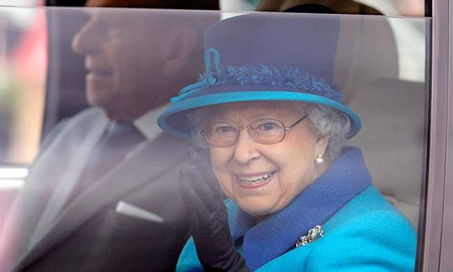 "The Queen drew up at the Royal Windsor Horse show in 1991 where she was greeted by a guard saying: ""Sorry love, you can't come in without a pass."" <br>