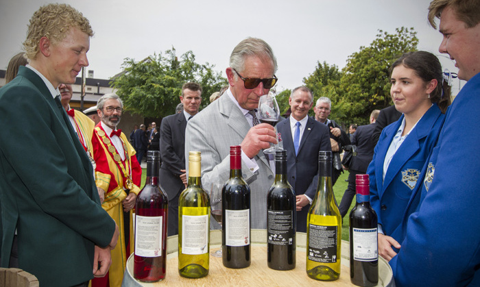 After their flight from New Zealand the royal couple are treated to a wine tasting at Tanunda in the Barossa Valley.<br>