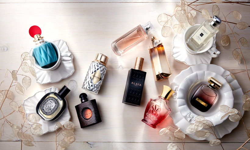 For fall and winter 2015, nostalgia takes center stage as perfumers explore Old World charms using sensual floral notes of rose, peony, jasmine and lily. Bergamot, vanilla and mandarin orange add a cozy element to the soft air while deep earth tones, unexpected spices (think cardamom and pepper) and warm notes of cedar and sandalwood add modern sensibilities to classic bouquets. The result? A striking contradiction of refinement and rawness – like a soft-focus film reimagined in vivid color.