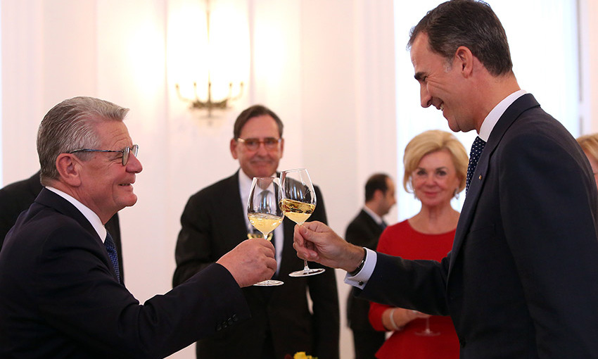 Cheers! German President Joachim Gauck and King Felipe of Spain shared a toast at Bellevue presidential palace during the Spanish-German Forum in Berlin, Germany. 