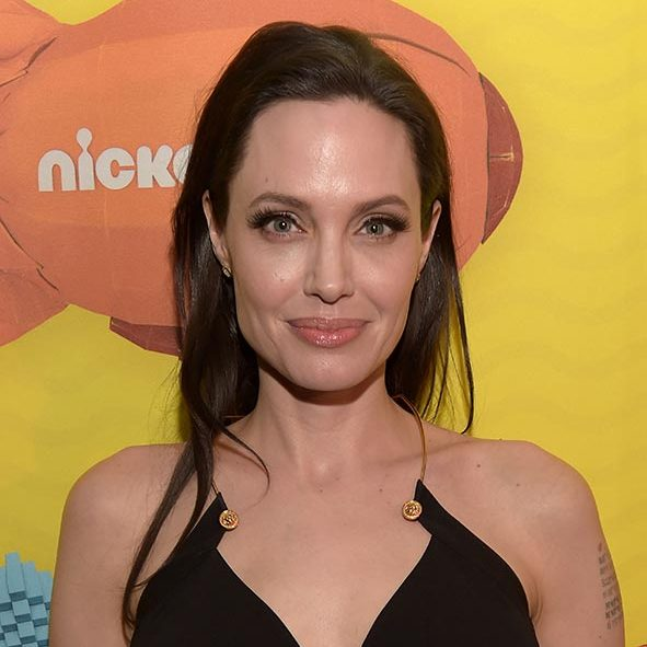 For eyes that pop, take Angelina Jolie's lead and rock a slick eyeliner paired with striking long eyelashes.