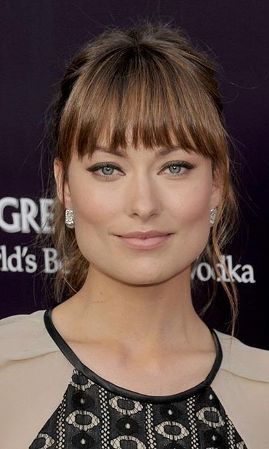 Olivia Wilde lets her eyes do the talking. Recreate the actress' statement look by keeping the rest of your makeup to a bare minimum.