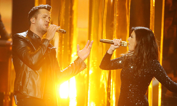 "This year's Favorite Male Country Artist, Luke Bryan, and  Little Big Town's Karen Fairchild teamed up to perform ""Home Alone Tonight"".