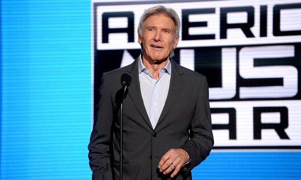 'Star Wars' actor Harrison Ford made a surprise appearance to introduce a cappella group Pentatonix, who were performing a tribute to the sci-fi franchise.