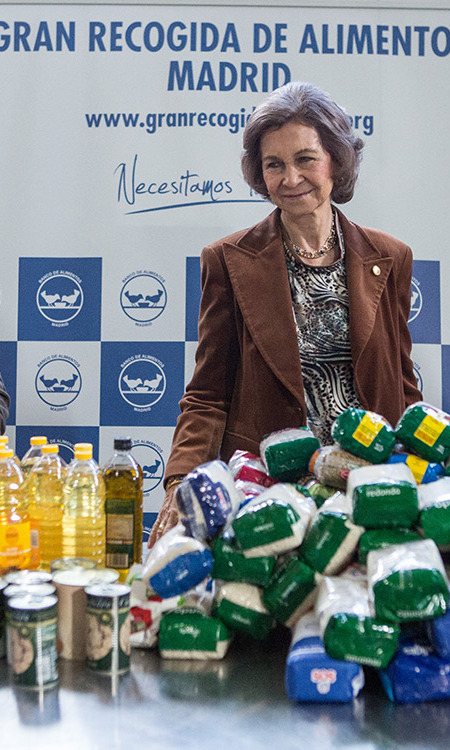 Meanwhile her mother-in-law, Queen Sofia of Spain, showed off her charitable side while visiting a food bank in Madrid, Spain. <br>Photo: Getty Images