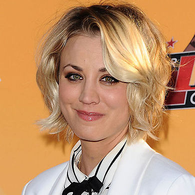 For laidback glamour take a leaf out of Kaley's book and try styling your bob into soft curls. Start by adding some volumising spray to give your locks a bit of texture. Section your locks and, using a curling iron, work through each section. Don't worry about keeping the hair smooth and sleek – this look works best when slightly unkempt.<br>