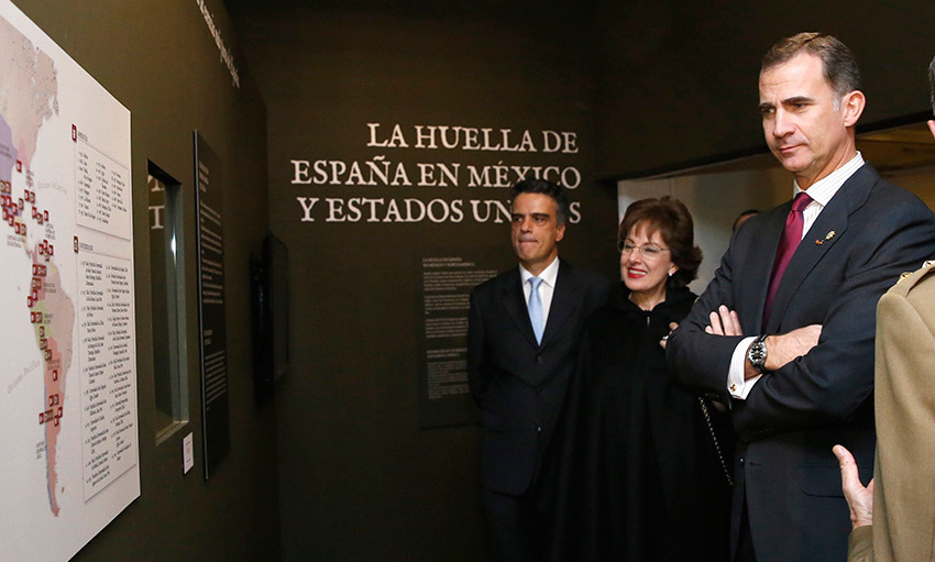 Spanish King Felipe attended the 'Bernardo de Galvez and the presence of Spain in Mexico and the United States' exhibition with Mexican ambassador to Spain Roberta Lajous Vargas (center) held at Casa de America in Madrid. <br>Photo: Getty Images