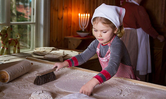 The Swedish royal family released the most adorable photos and videos of Crown Princess Victoria, Prince Daniel and Princess Estelle baking traditional Swedish flatbreads for Christmas.