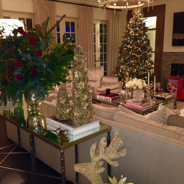 Sofia Vergara's tree has all the glam. The new Mrs. Manganiello posted a photo of her gold reindeer's and gold trimmed Christmas tree.