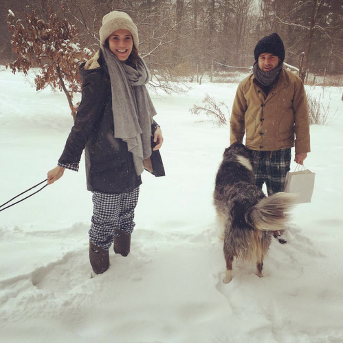 Perhaps Mandy Moore was dreaming of a white Christmas? The singer flocked in the snow wearing her pajamas in Maine.