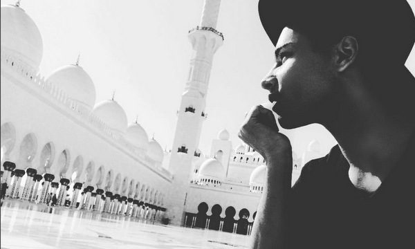 Dreaming of an Arabian night? Balmain Creative Director Olivier Rousteing has been enjoying his winter holiday in the United Arab Emirates, visiting Dubai and Abu Dhabi.