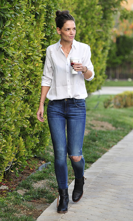 January 5: Coffee break! Katie Holmes picked up her coffee in style while wearing a shirt by Blue Shirt Shop and jeans by DL1961 in L.A..