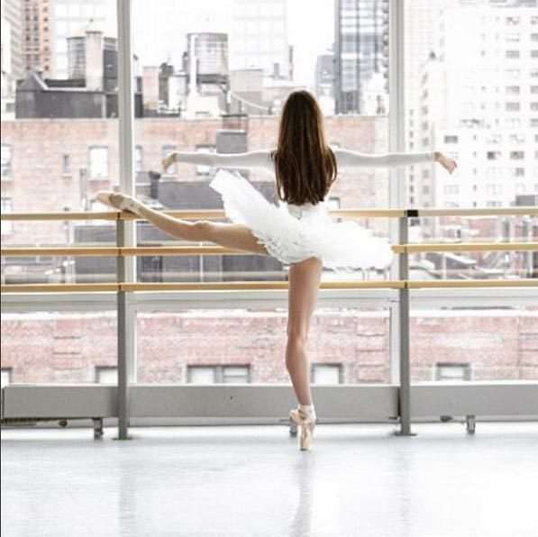 <b>Ballet Beautiful, 474k followers </b>