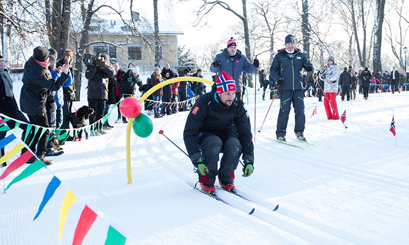 Crown Prince Haakon displayed his skiing skills. 