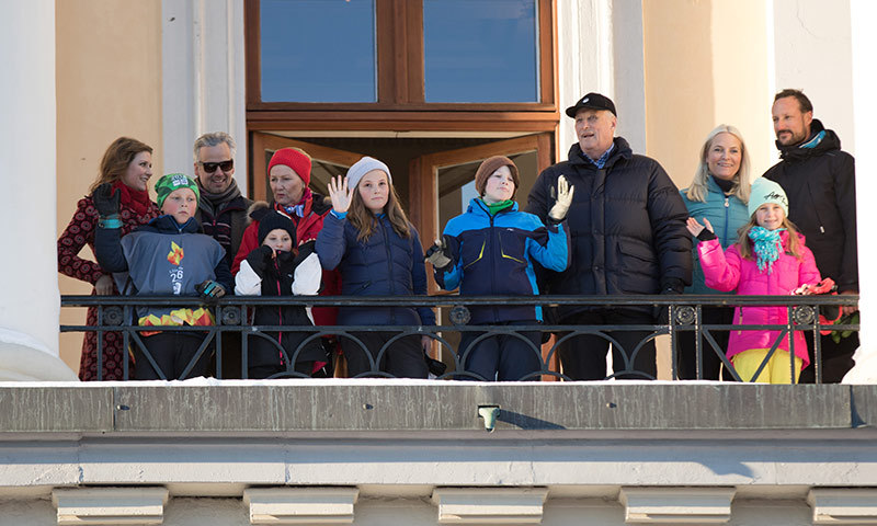 The Norwegian royals celebrated a very special anniversary over the weekend as King Harald and Queen Sonja of Norway marked 25 years on the throne. The royal couple invited neighboring Kings and Queens over to Oslo for events from skiing to an evening gala. Click through for all the highlights!<br>