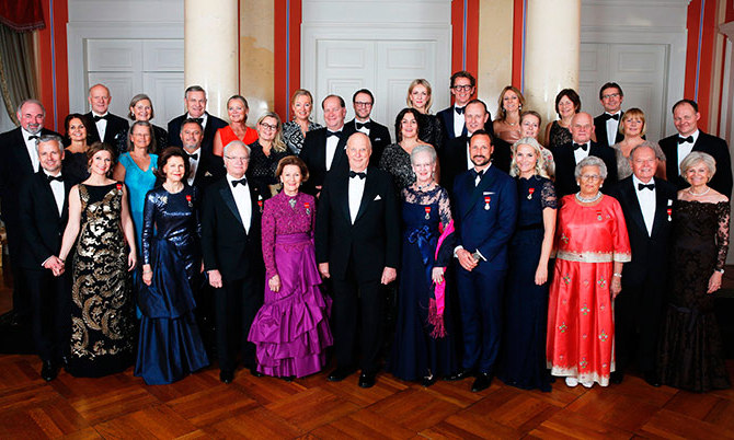 An impressive group shot of the Scandinavian royals' extended family. 