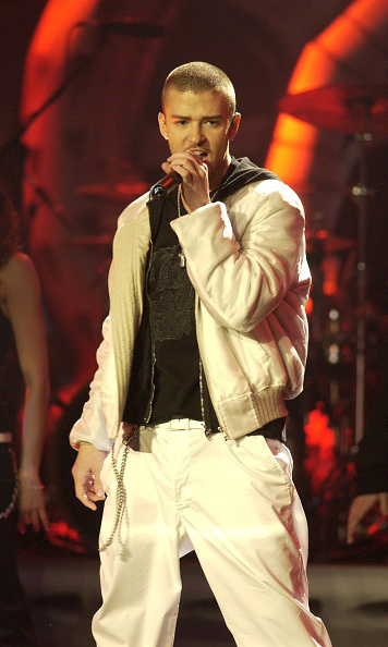 During a performance at the Brit Awards in February 2003, Justin added some additional facial hair to his much more mature look. 