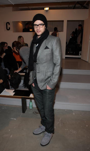 Justin didn't need another set of eyes to see that he was perfectly dressed for fashion week in NYC in February 2010.