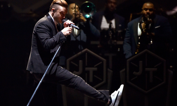 Showing off his sneaker game and spectacular dance moves in August 2014 during 'The 20/20 Experience' world tour, JT danced ahead of the tour fashion game. 