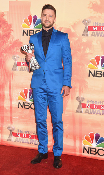 Justin brightened up the carpet in this bright blue suit during the iHeartRadio Music Awards in March 2015.  