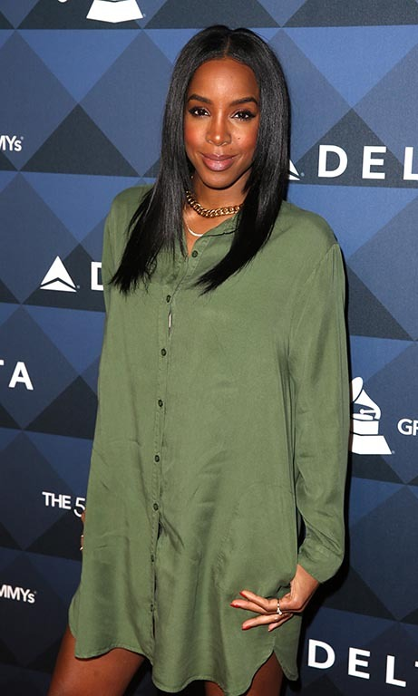 "Kelly Rowland showed off plenty of leg during the Delta Air Lines' ""Sites and Sounds"" party at NeueHouse Hollywood.