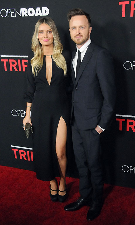 Februar 16: Aaron Paul and his wife Lauren Parsekian were the picture perfect couple during the 'Triple 9' screening in L.A.