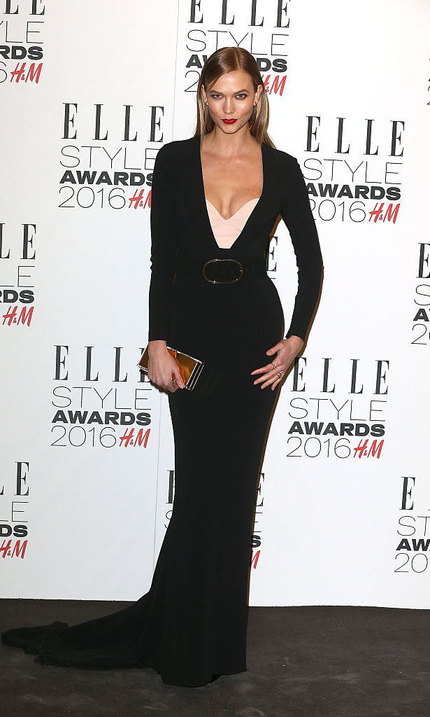 February 23: Looks like Karlie Kloss took a page out of best friend Taylor Swift's book, because the supermodel had the red lip classic thing that we like while attending the 2016 Elle Style Awards in London.