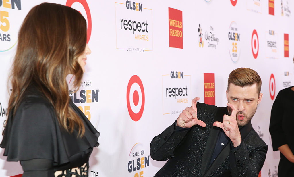 Someone please find us a man like Justin, who snaps a mental picture of us for later. (Jim Halpert anyone?)
