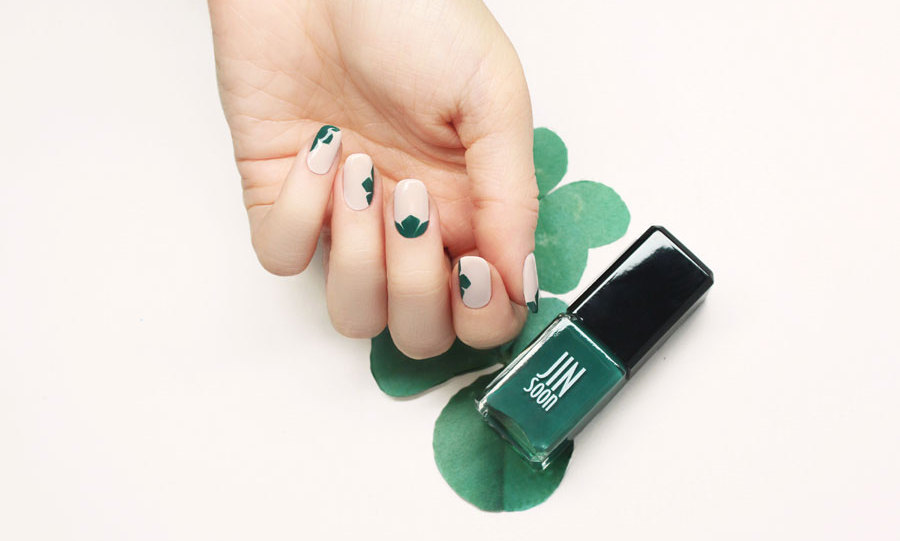 Strike Gold With These Stellar St Pattys Day Themed Nail Art