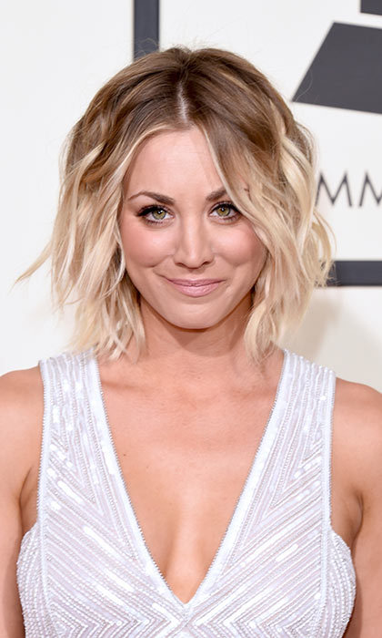 Kaley Cuoco nailed two fab hair trends in one. Get the look by dip-dying the ends of your bob for an ombré effect.