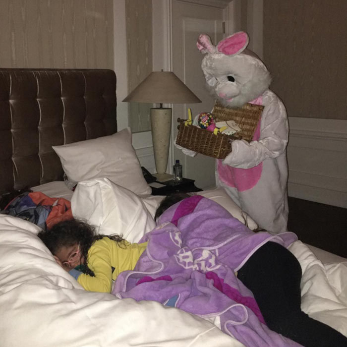 "Mariah Carey's twins Monroe and Morroco woke up to some sweet treats on Easter morning. ""#dreams do come true!! The #Easter #bunny !! I know him too!! #happyeaster everybody."" 