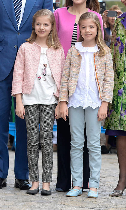 Awwww, so cute! Princesses Leonor and Sofia of Spain wore their Sunday best to attend Easter Mass in Palma de Mallorca.
