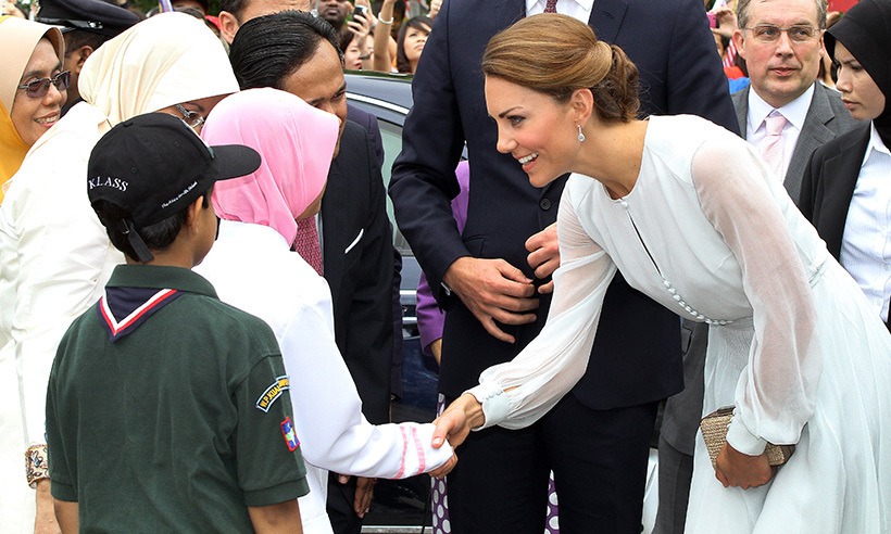 Dressed in silk Beulah London, the Duchess charmed those fans during her visit to the KLCC garden in Kuala Lumpur. 