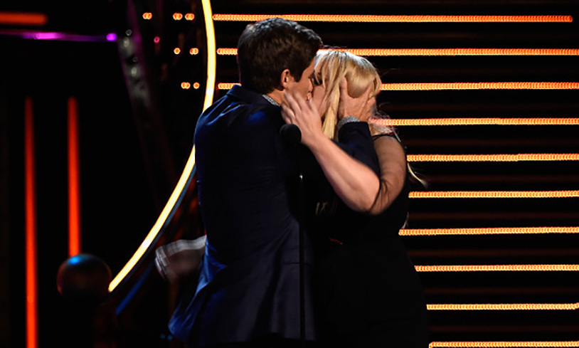<i>Pitch Perfect 2</I> co-stars Rebel Wilson and Adam Devine gave Rachel McAdams and Ryan Gosling a run for their money with their own history-making makeout session, while accepting the award for Best Kiss.