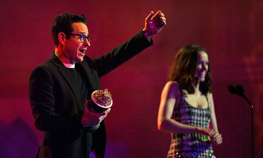 You can't deny the power of the force! <i>Star Wars: The Force Awakens</i> director J.J. Abrams and Daisy Ridley accepted the evening's biggest award for Movie of the Year.