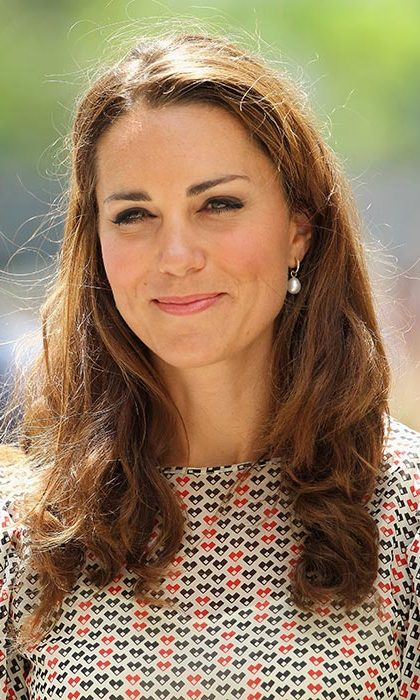 Kate wore her hair down in cascading waves during a cultural event in Queenstown.