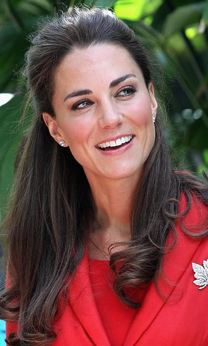 Adding some playfulness to one of her fave styles, Kate curled the ends of her half updo for a visit to Calgary Zoo.