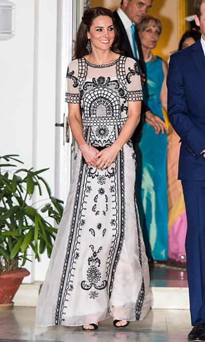 During a garden party to celebrate Queen Elizabeth, she wore a classic Alice Temperley dress, showing off her posh fashion sense while miles away from home. 