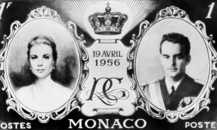 To commemorate the long-awaited wedding of Prince Rainier III to Grace Kelly, the Monaco Stamp Office released special edition stamps. 