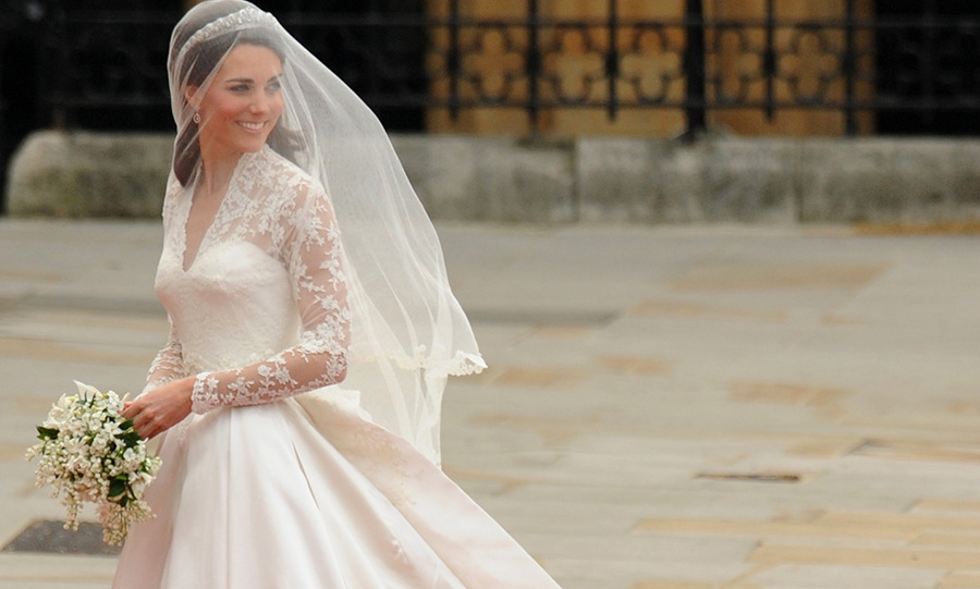 "<a href=""https://us.hellomagazine.com/tags/1/kate-middleton/""><strong>Kate Middleton</strong></a> made a beautiful bride. <a href=""https://us.hellomagazine.com/tags/1/prince-william/""><strong>Prince William</strong></a>'s girl was nothing short of stunning in a beautiful Alexander McQueen wedding gown that inspired countless copycats and is still one of the most talked about royal bridal gowns of recent years. Here is everything you need to know about the Duchess' gorgeous wedding dress.