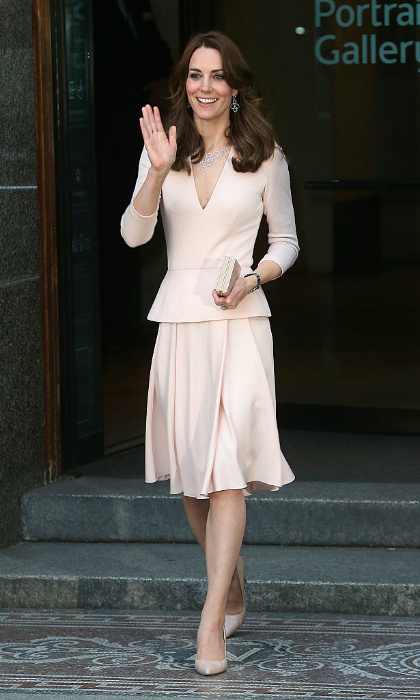 In the evening, she continued her pastel outfit theme for a visit to the the National Portrait Gallery.