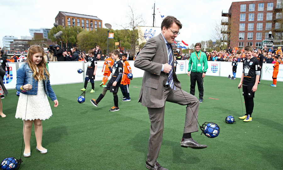 Princess Alexia and Prince Constantijn of the Netherlands enjoyed some soccer during King's Day.