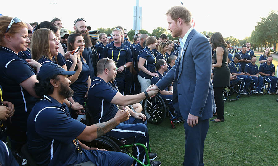 Ahead of the opening ceremony for the Invictus Games, Prince Harry met with the US team. 
